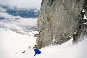 Guy mogul skiing lesson