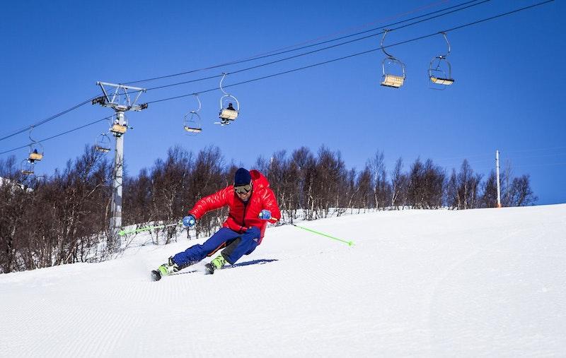 skiing environment